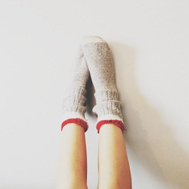寝る時の靴下はダメ?大丈夫?