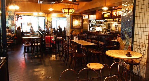 Yonchome Cafe(ヨンチョウメカフェ)
