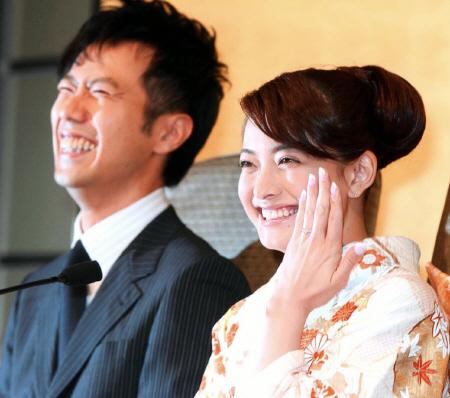 結婚10周年を迎える『藤井隆・乙葉夫婦』