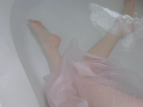 入浴するのが早すぎると、寝る頃には体温が下がって効果がなくなります。