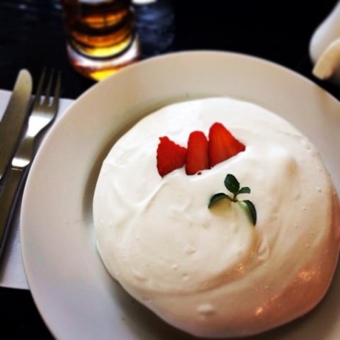 「スノーホワイトパンケーキ」も美味しいですよ!