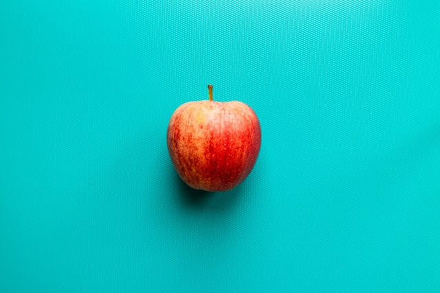 歯を白くする食べ物① りんご