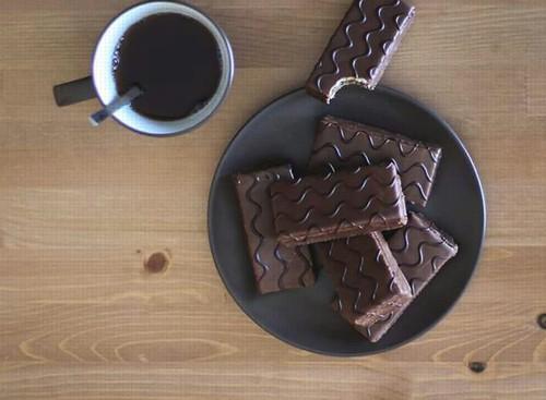 3、『ブラックチョコレート』ダイエット中におすすめの間食