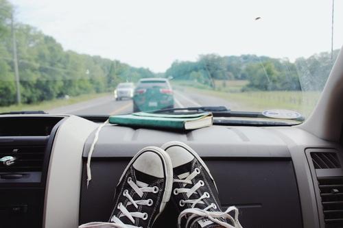 危険な運転をする夢